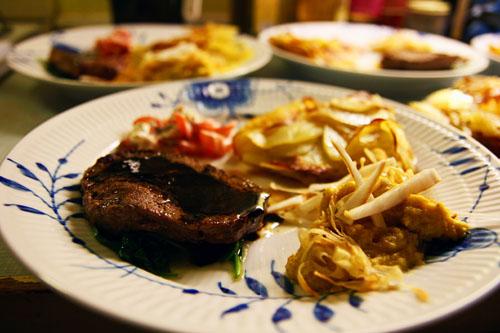 Oksetournedos med Skorzone, Okseglace, Pommes Anna og Cremetomater